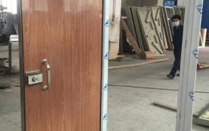 Wooden soundproof door
